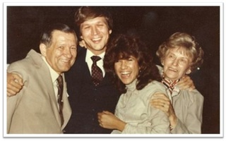 kasich_and_sister-donna_and_parents.jpg